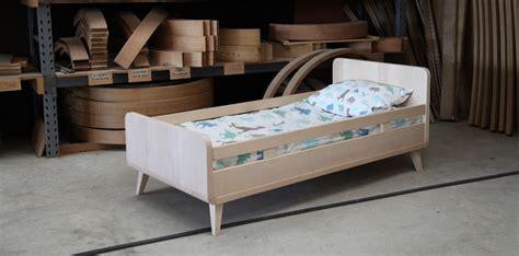 chambre bébé lit évolutif chambre bébé et enfant la collection vogue de zinezoé