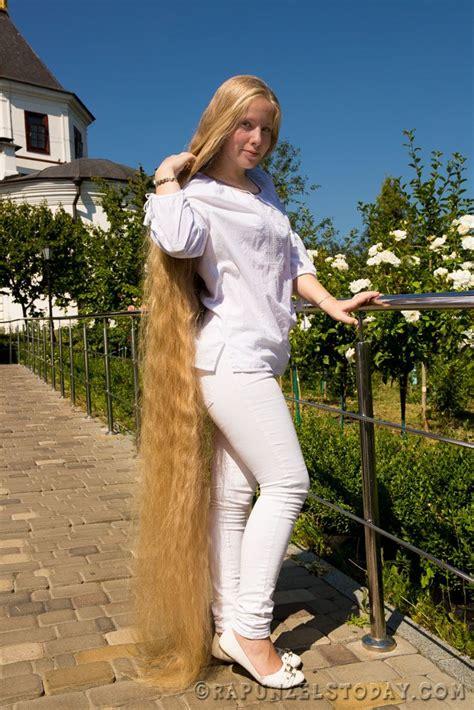 portrayed elena hairs   long wavy hair long