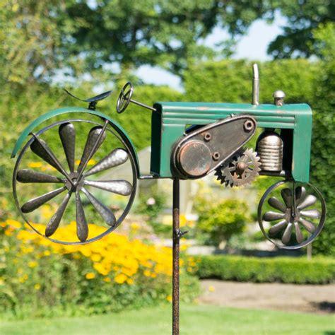Windrad Großer Traktor Am Stab, Eisen, Grün Windspiel