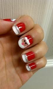30+ Beautiful Christmas Nail Art designs | EntertainmentMesh