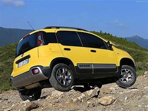 Fiat Panda Jaune : 2014 fiat panda cross italian suv jaune wallpaper 1600x1200 395041 wallpaperup ~ Gottalentnigeria.com Avis de Voitures
