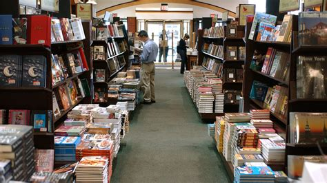 Barnes And Nobel Bookstore by Barnes Noble Founder Retires Leaving His Imprint On