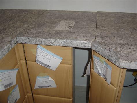 assemblage meuble cuisine assemblage plan de travail cuisine dootdadoo com idées de conception sont intéressants à