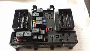 2013 Ford Fusion Under Hood Fuse Box Dg9t