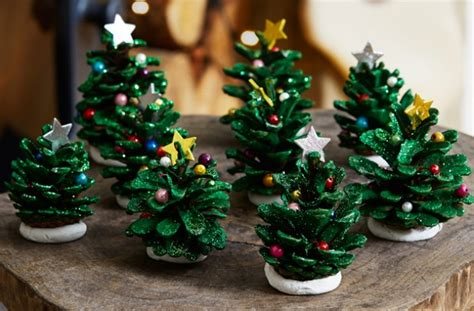 christmas tree pinecones goodtoknow