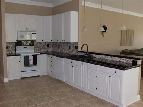 white kitchen flooring ideas kitchen floor ideas with white cabinets peenmedia com