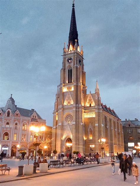 kostenlose bild katholische kirche novi sad serbien