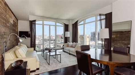 hilary swank renting  nyc apartment   peek