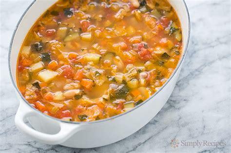 recipe minestrone soup minestrone soup recipe simplyrecipes com