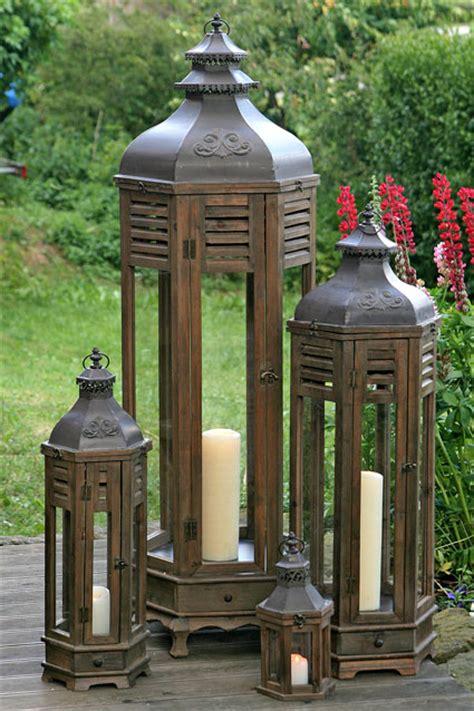 laterne für terrasse laterne 37cm hoch holz glas braun 0001343