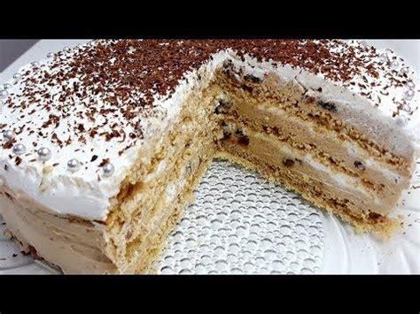 Posna reforma torta se potom lepo nafiluje i ukrasi sa seckanim lešnicima kao što se vidi na fotografiji. Pin on Torte posne