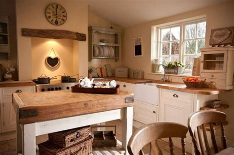Cottage Kitchens : Ingredients That Make Up A Country Cottage Kitchen