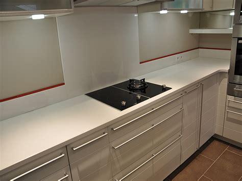poser plinthe cuisine hauteur plinthe cuisine veglix com les dernières idées