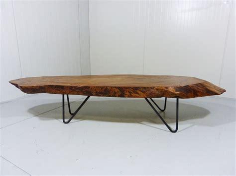 table basse vintage tronc d arbre avec pieds en epingle en vente sur pamono