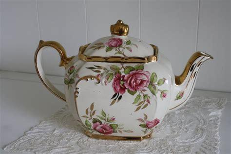 retro tea kettle vintage sadler teapot pink roses 1949 teapot vintage 1949