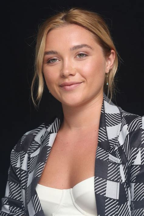 hot pictures  florence pugh     love