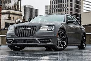 Chrysler 300 Srt8 : 2018 chrysler 300 first drive review ~ Medecine-chirurgie-esthetiques.com Avis de Voitures
