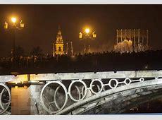 La esperanza, a su paso por el puente de triana Sevilla