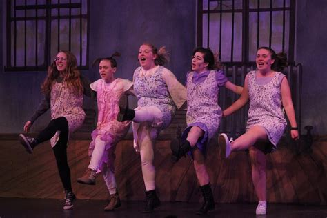 'annie  The Musical' Comes To Greenwich High School