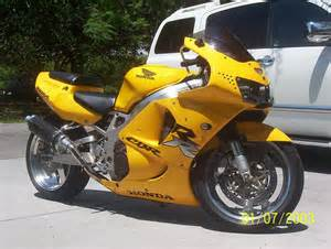 Honda CBR 600 Stretched and Lowered