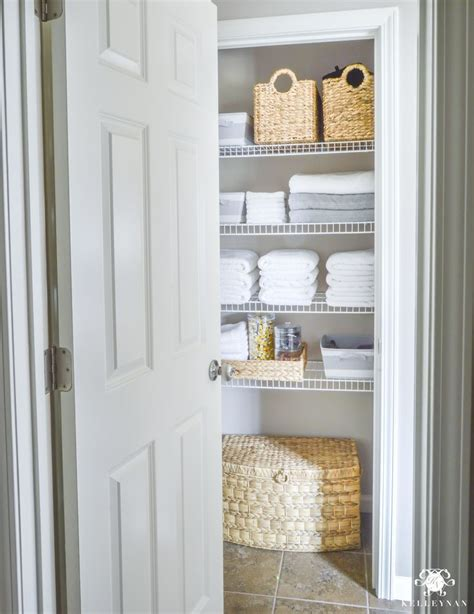 Bathroom Linen Closet Ideas by Best 25 Bathroom Linen Closet Ideas On Linen