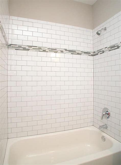 tile surround features  white ice brick laid