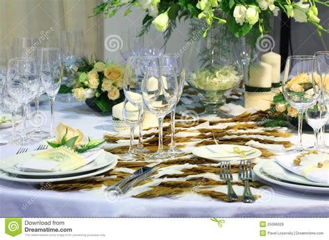 details  beautiful table set  wedding dinner royalty