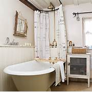 Small Cottage Bathrooms by Cottage Of The Week English Country Cottage Home Bunch Interior Design I