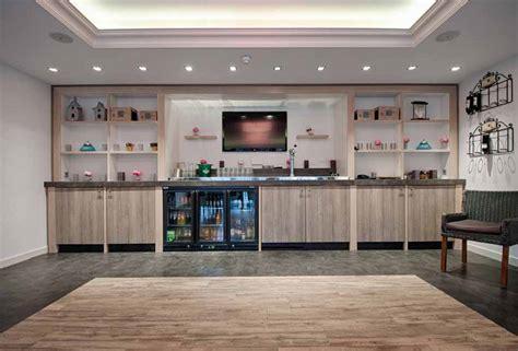 moderne cafe inrichting bar inrichting 171 nijland interieur meubelmakerij