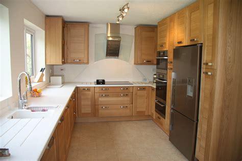 lyn hawes designs  feedback kitchen fitter  banbury