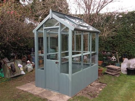25+ Best Ideas About Small Greenhouse On Pinterest