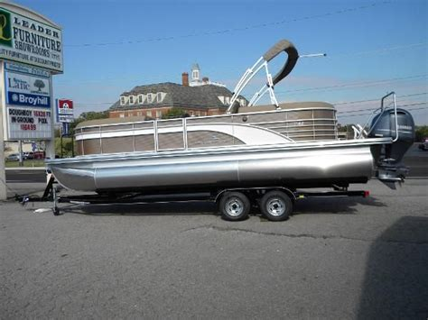Used Pontoon Boats For Sale Tn by New And Used Boats For Sale In Tennessee