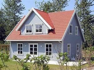 Schwedenhaus Fertighaus Preise : schwedenhaus holzhaus farbe streichen 04 h user im cottage stil pinterest haus holzhaus ~ Markanthonyermac.com Haus und Dekorationen