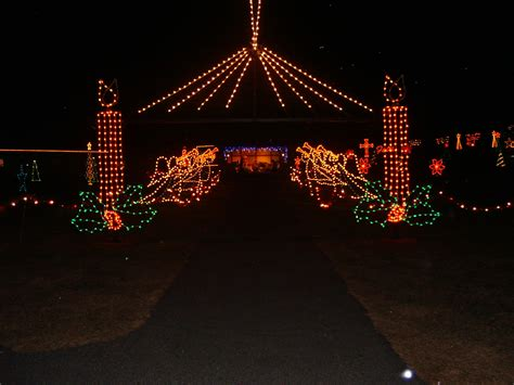 la salette christmas lights 50 000 christmas light display la salette breakfast on