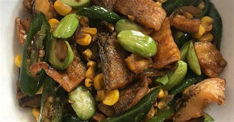Nah, kamu tidak perlu lagi bingung untuk masukkan ikan gabus yang sudah digoreng, biarkan hingga bumbu meresap. 820 resep ikan gabus enak dan sederhana - Cookpad