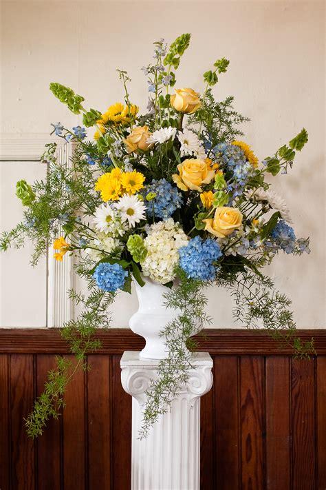 bright wedding flowers dandelions flowers gifts