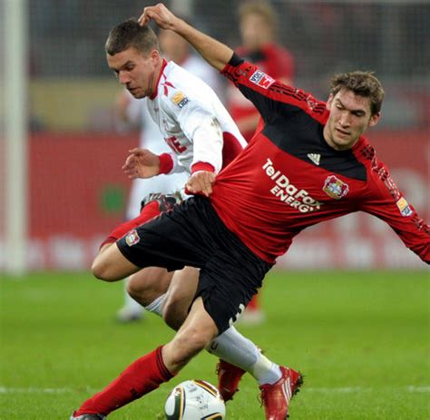 In their last 28 meetings across all competitions, bayer leverkusen have picked up 17 wins and six draws. Fussball-Bundesliga: Remis gegen Köln bringt Leverkusen ...