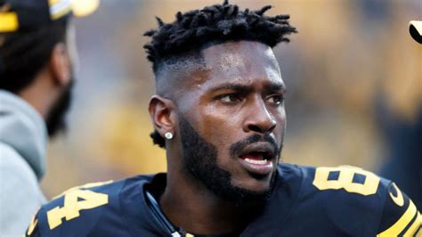 Antonio Brown Greeted By Three Police Cruisers Due To Baby ...