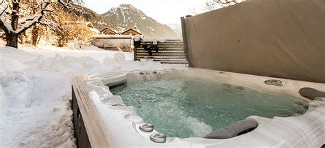 wellness mit whirlpool wellness mit whirlpool wellness f r zuhause mit whirlpool romantisches hotelzimmer mit