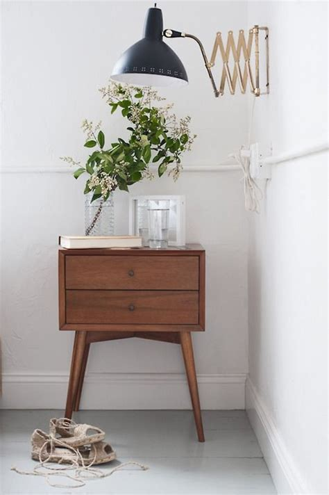 bedroom nightstand lights best 25 nightstand l ideas on pinterest bedroom 10584   fa0a26c580b12316e9f1035b0d344f91 bedside table lamps nightstand lamp