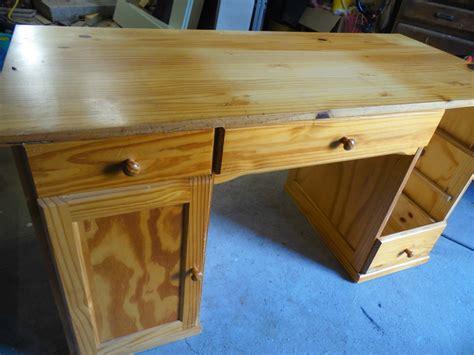 repeindre un bureau en bois la déco de gégé