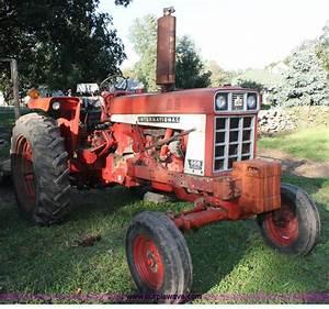 1972 International Farmall 666 Tractor