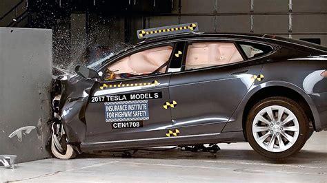 Tesla Model S Crash by Tesla Model S 2017 Iihs Crash Test Acceptable Results