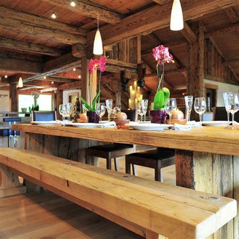 cuisine ouverte sur salle à manger et salon chalet luxe grand bornand louer luxueux chalet