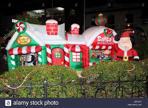 inflatable santa claus   workshop  parque