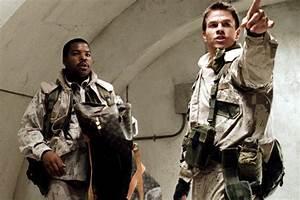 Mark Wahlberg as Troy Barlow in Three Kings - Mark ...