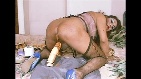 Mature Transvestite Eating Shit With Dildo Shemale Scat