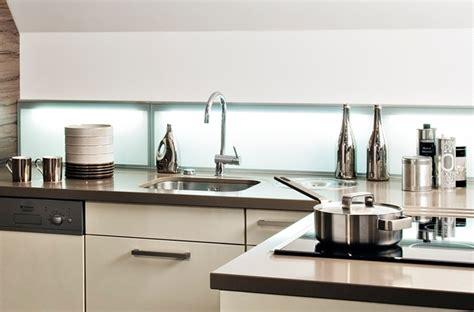 credence cuisine lumineuse 10 crédences qui habillent les murs de la cuisine darty