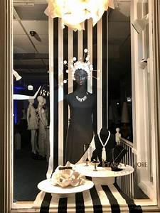 Own, A, Jewelry, Store, Attract, More, Customers, With, Window, Displays, Like, This, Retailer