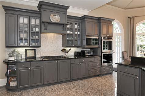 white laminate thermofoil kitchen cabinets